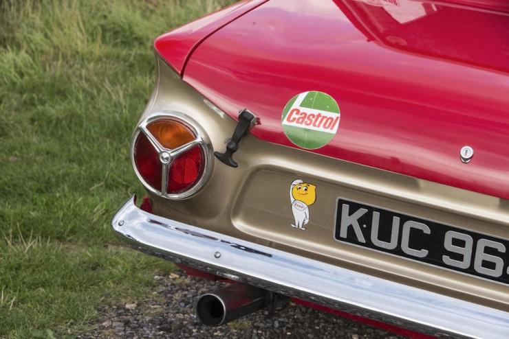 Ford-Lotus-Cortina-11