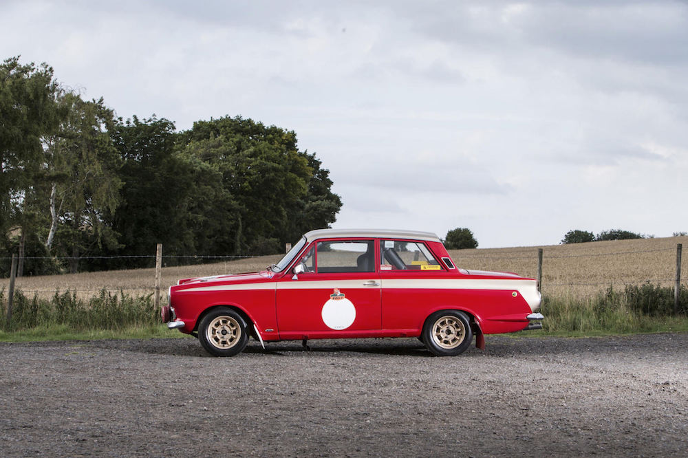 Ford-Lotus-Cortina-13