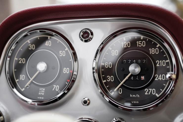 Mercedes-Benz-300SL-9