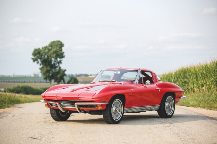 Chevrolet-Corvette-Sting-Ray-0