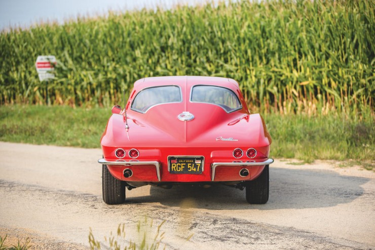 Chevrolet-Corvette-Sting-Ray-9