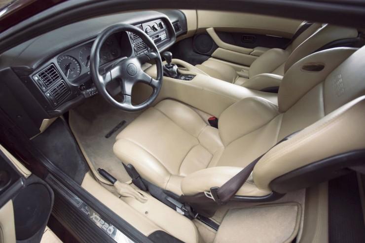 Jaguar-XJ220-7