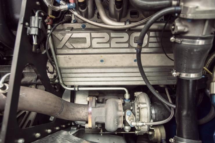 Jaguar-XJ220-9