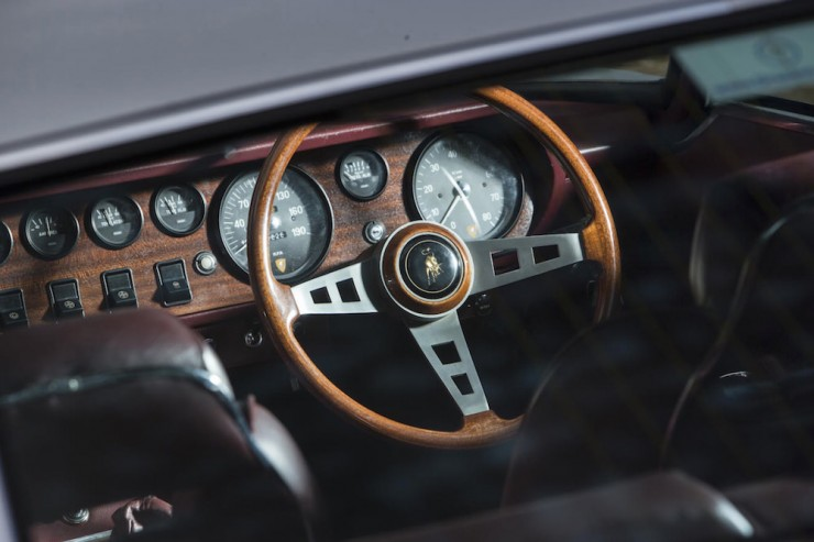 Lamborghini-Islero-S-Car-3