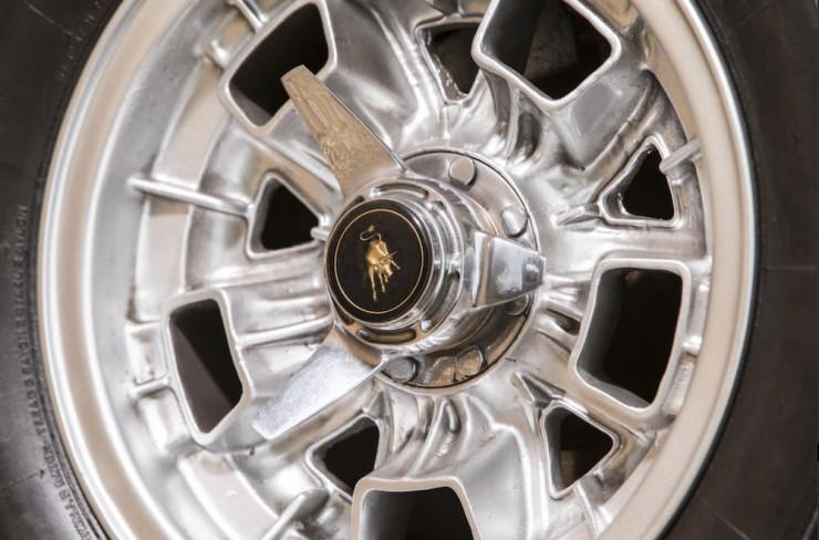 Lamborghini-Islero-S-Car-6