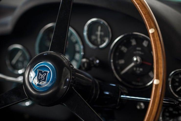 Aston-Martin-DB4-GT-Zagato-12