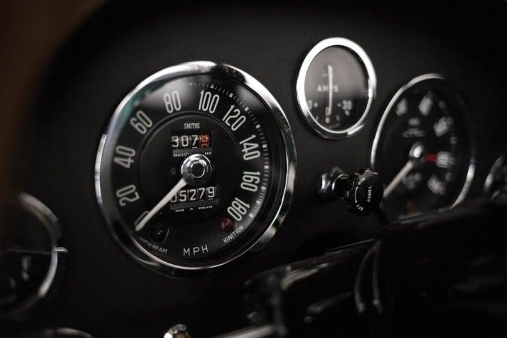 Aston-Martin-DB4-GT-Zagato-14