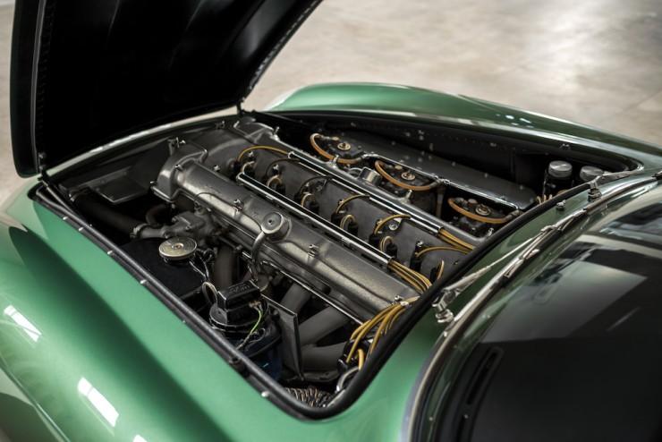 Aston-Martin-DB4-GT-Zagato-24