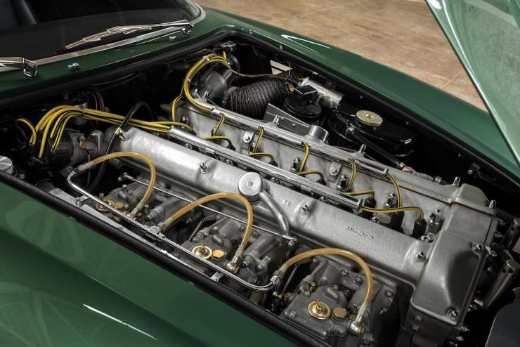 Aston-Martin-DB4-GT-Zagato-3