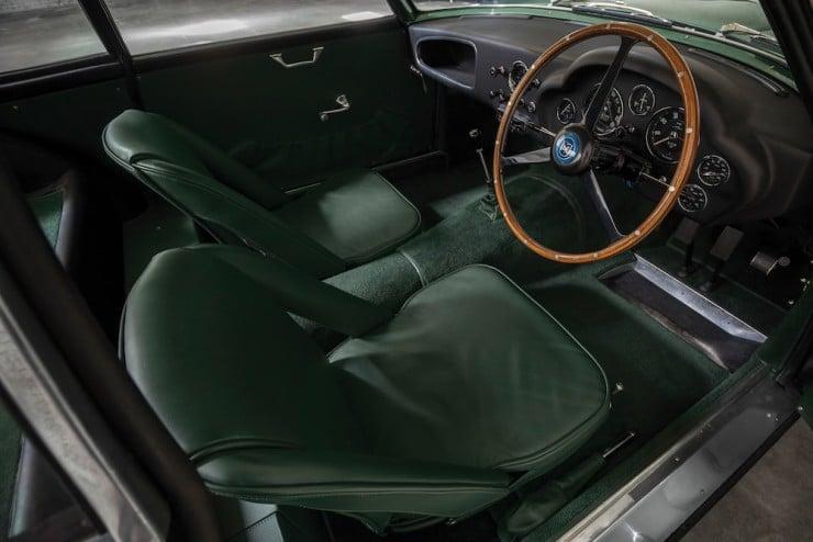 Aston-Martin-DB4-GT-Zagato-4