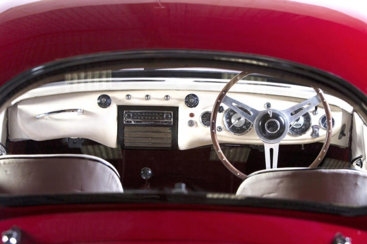 Austin-Healey-Coupe-12