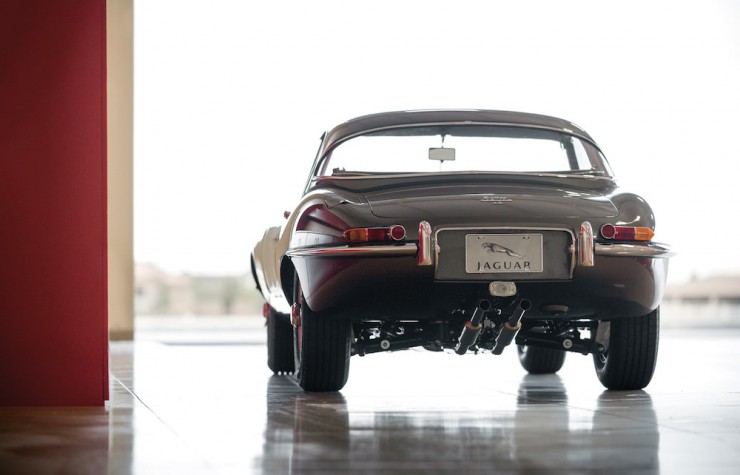 Jaguar E-Type Series 1 10