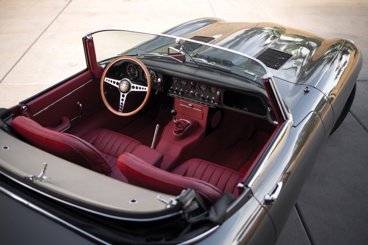 Jaguar E-Type Series 1 11