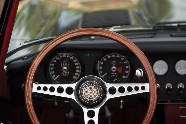 Jaguar E-Type Series 1 12