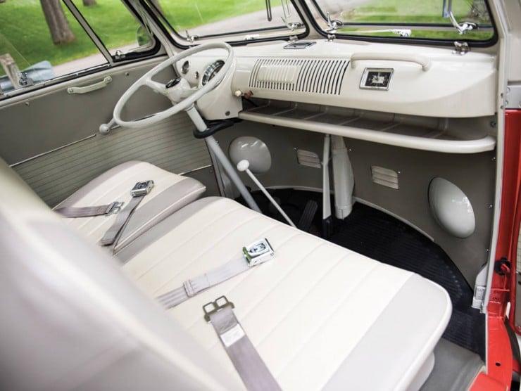 Volkswagen Type 2 '21-Window' Deluxe Microbus 11