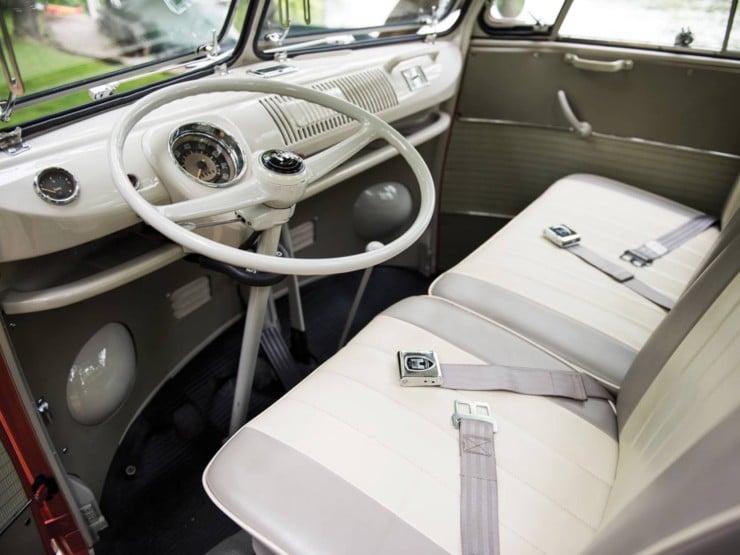 Volkswagen Type 2 '21-Window' Deluxe Microbus 3