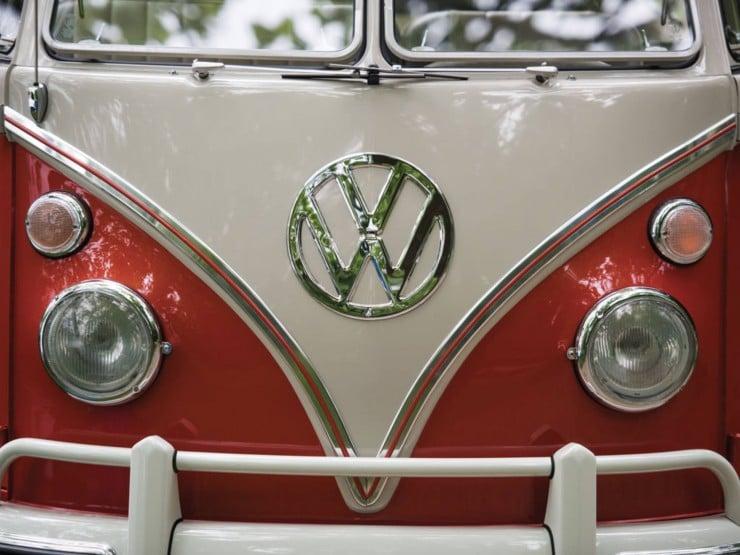 Volkswagen Type 2 '21-Window' Deluxe Microbus 6