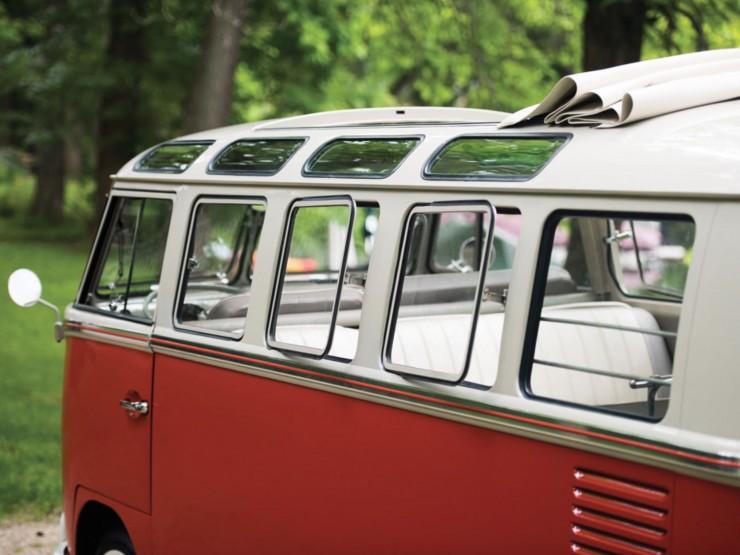 Volkswagen Type 2 '21-Window' Deluxe Microbus 8