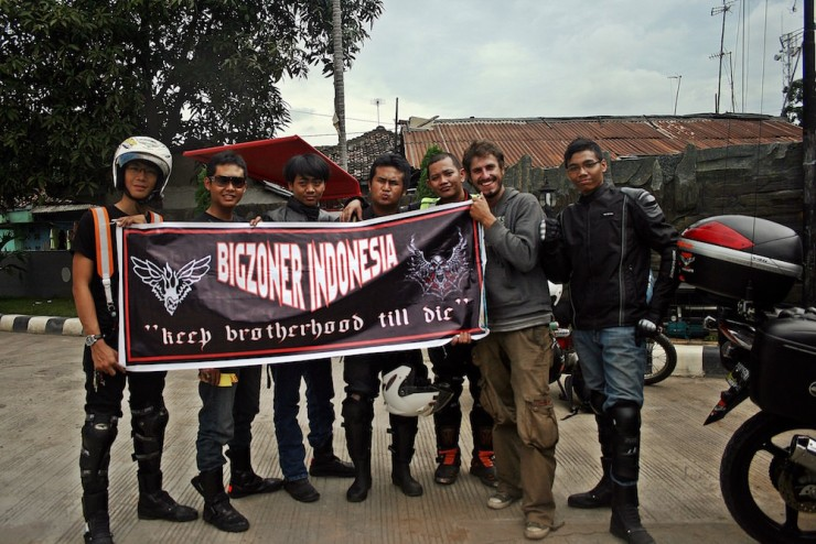 25. Meeting and joining an Indonesian bike gang