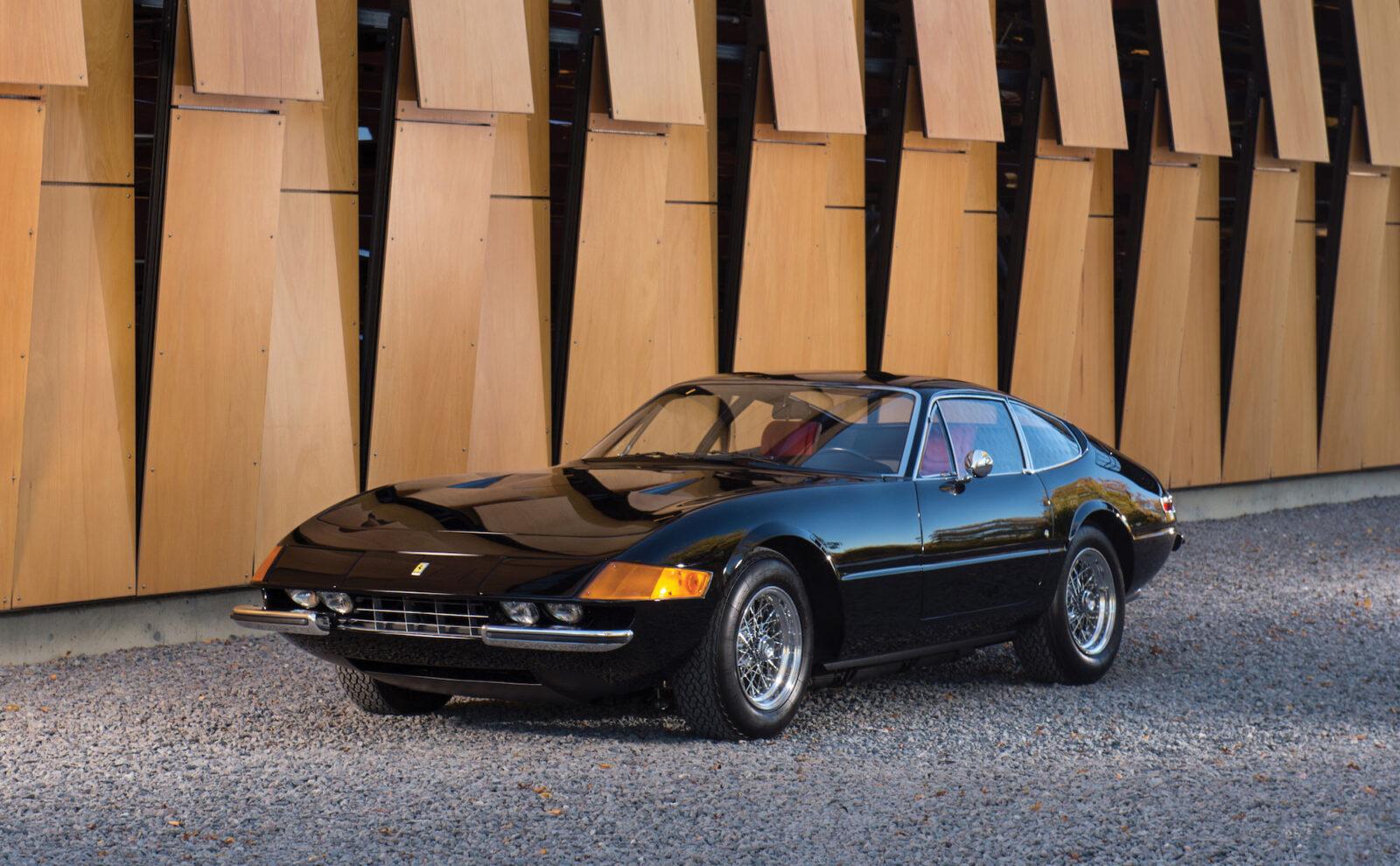 Ferrari Daytona 1 1600x990 - Ferrari 365 GTB/4 Daytona
