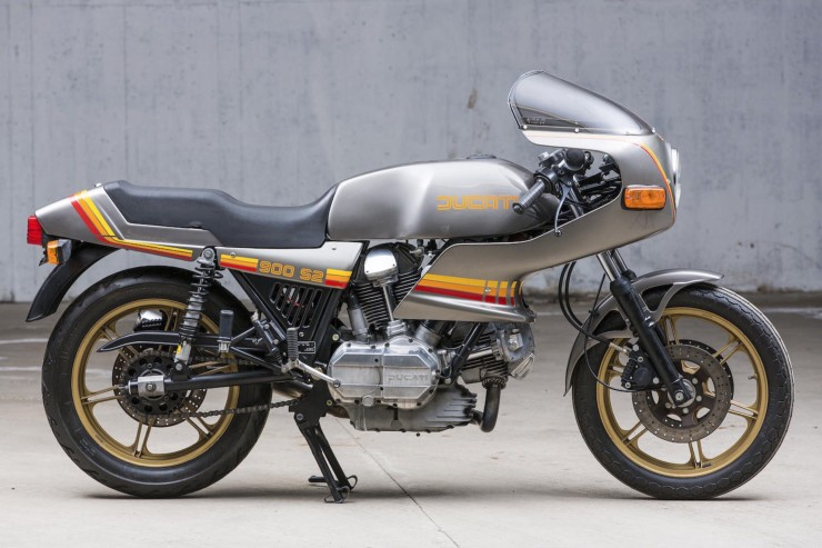 Ducati 900 S2 Motorbike