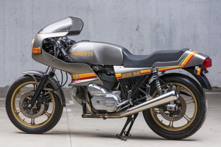 Ducati 900 S2 Motorcycle