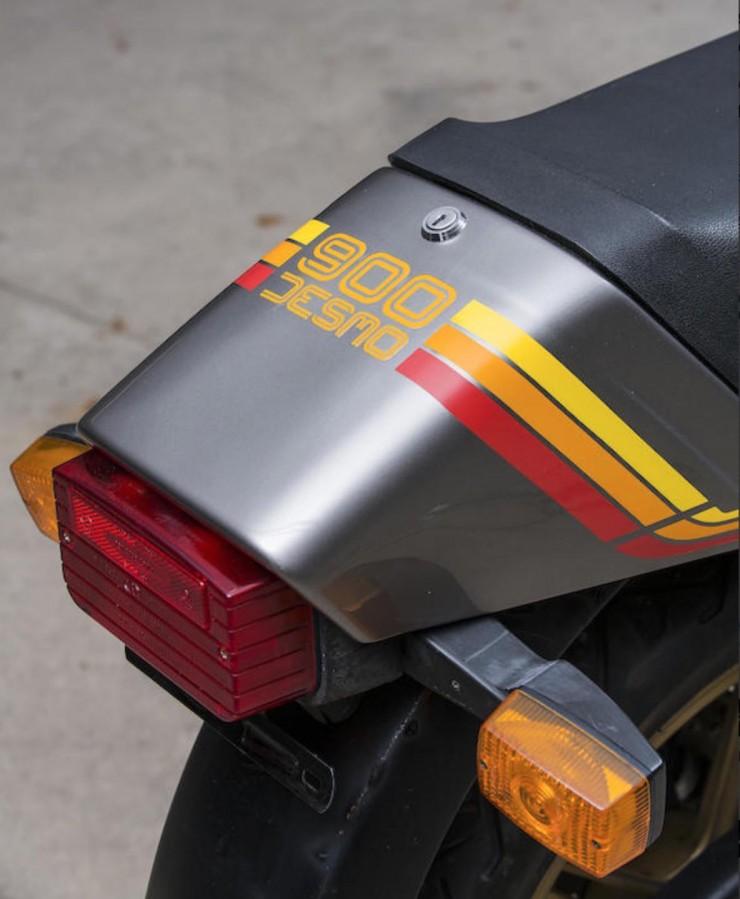 Ducati 900 S2 Taillight