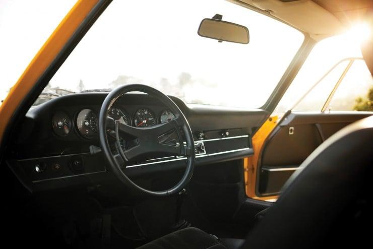 Porsche-911-Carrera-RS-10