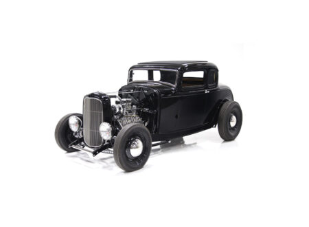 1932 Ford Hot Rod 450x330 - 1932 Ford 5-Window Hot Rod