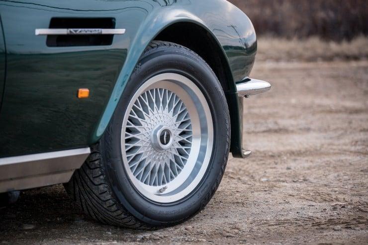 Aston Martin V8 Vantage 5