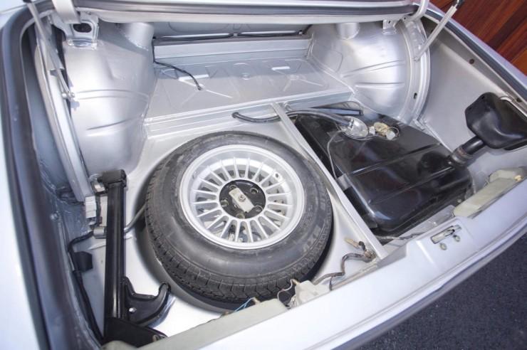 BMW-3.0-CSL-Batmobile-4