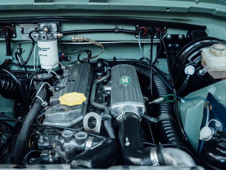Land Rover 13