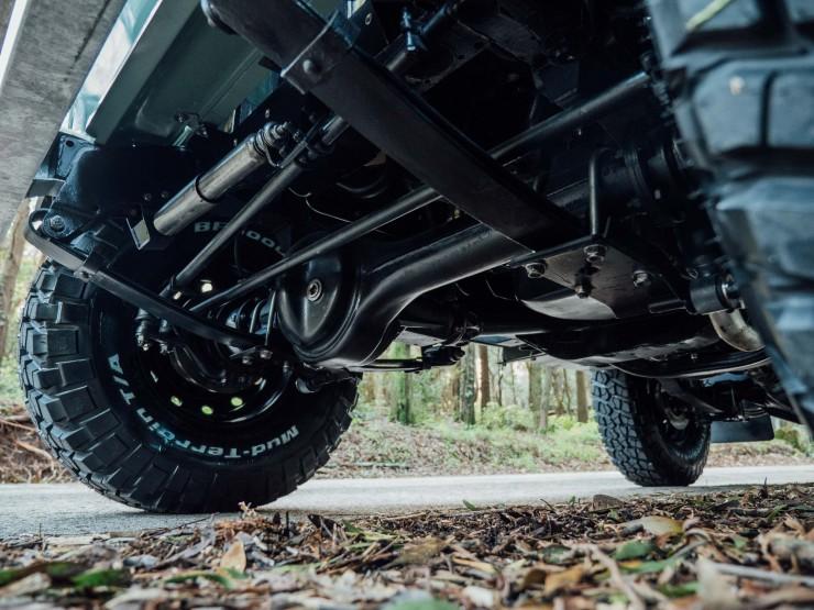 Land Rover 3