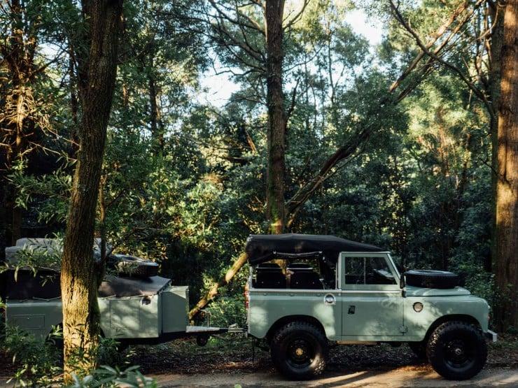 Land Rover 6