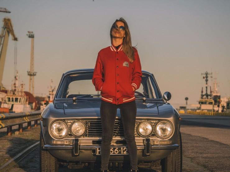 Alfa-Romeo-2000-GTV-12