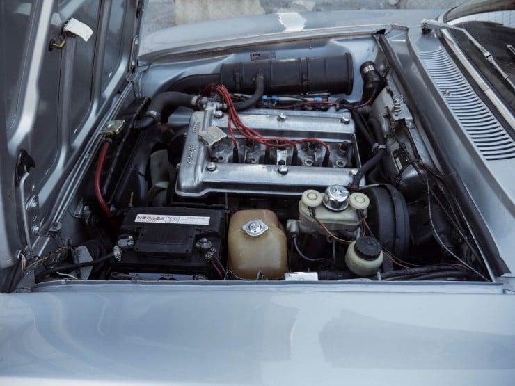 Alfa-Romeo-2000-GTV-18