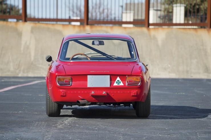 Alfa-Romeo-Guilia-GTA-10
