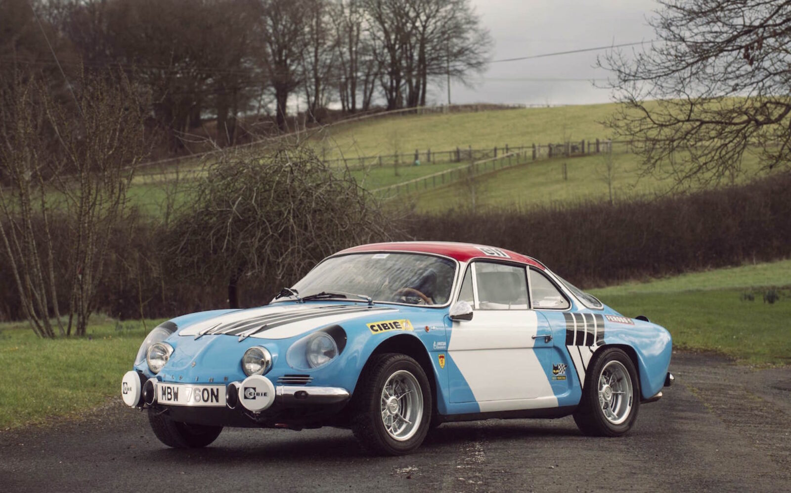 Alpine A110 Car 1 1600x998 - Alpine A110