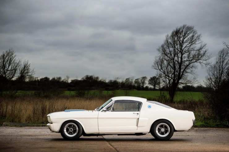 Shelby-Mustang-GT350-7