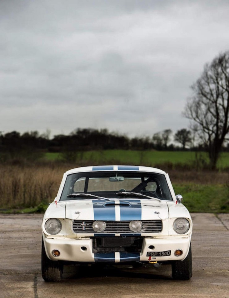 Shelby-Mustang-GT350-9