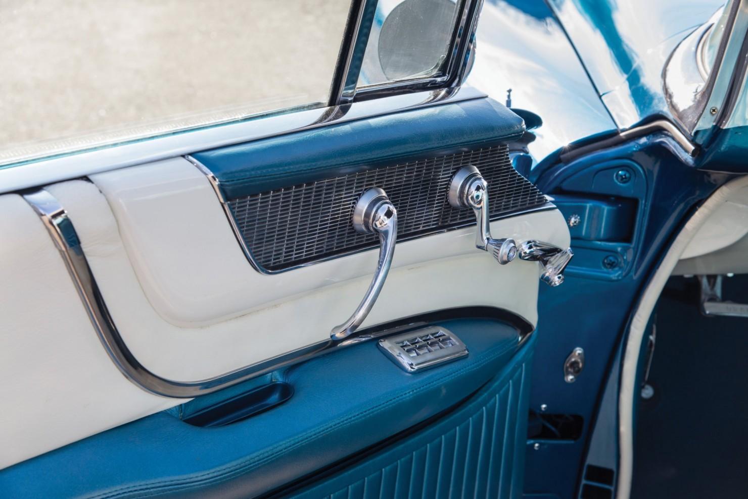 Cadillac-Eldorado-Car-11