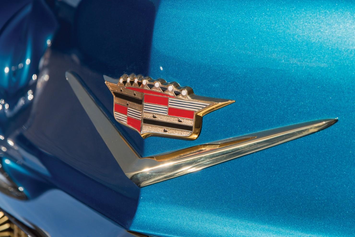 Cadillac-Eldorado-Car-18
