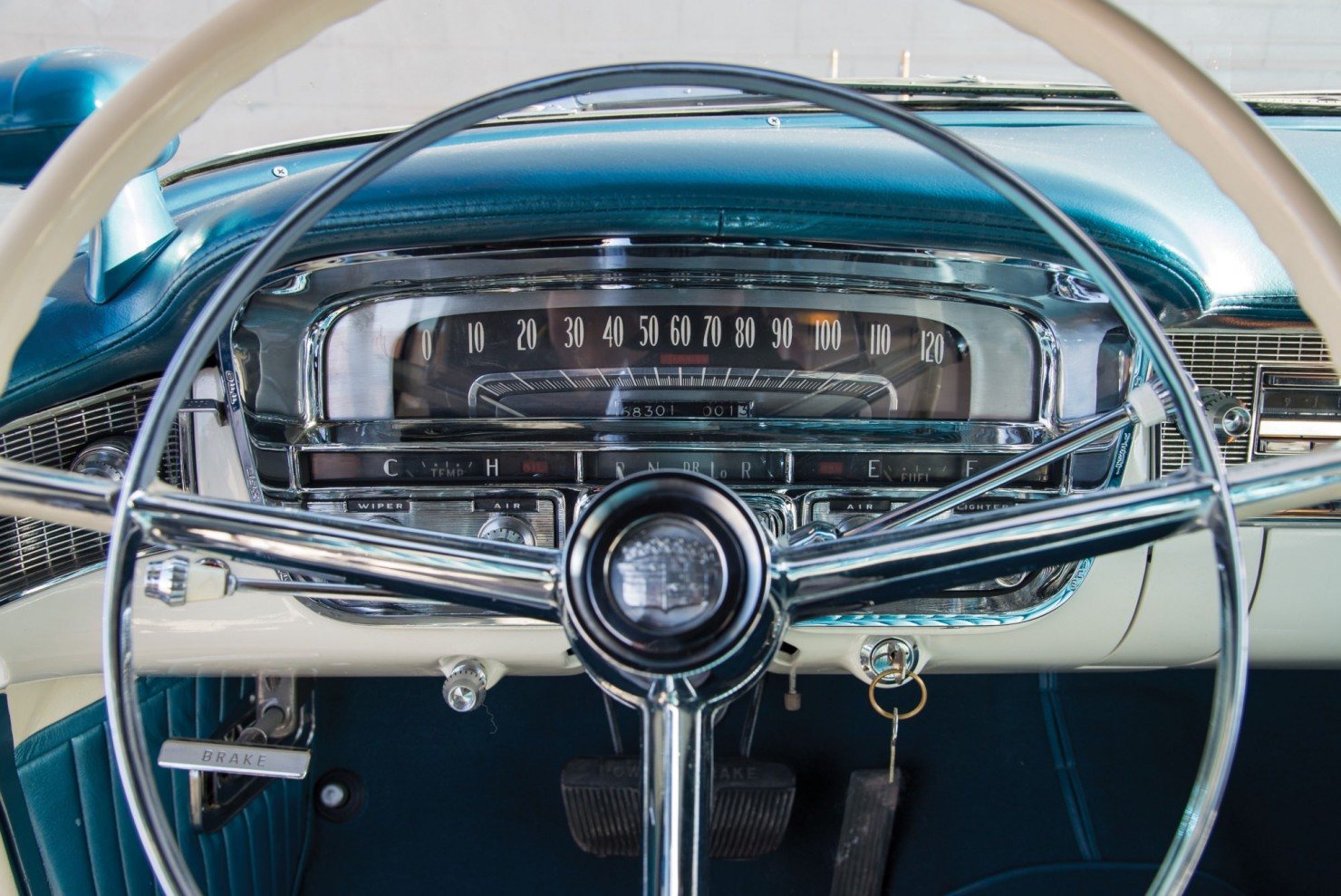 Cadillac-Eldorado-Car-6