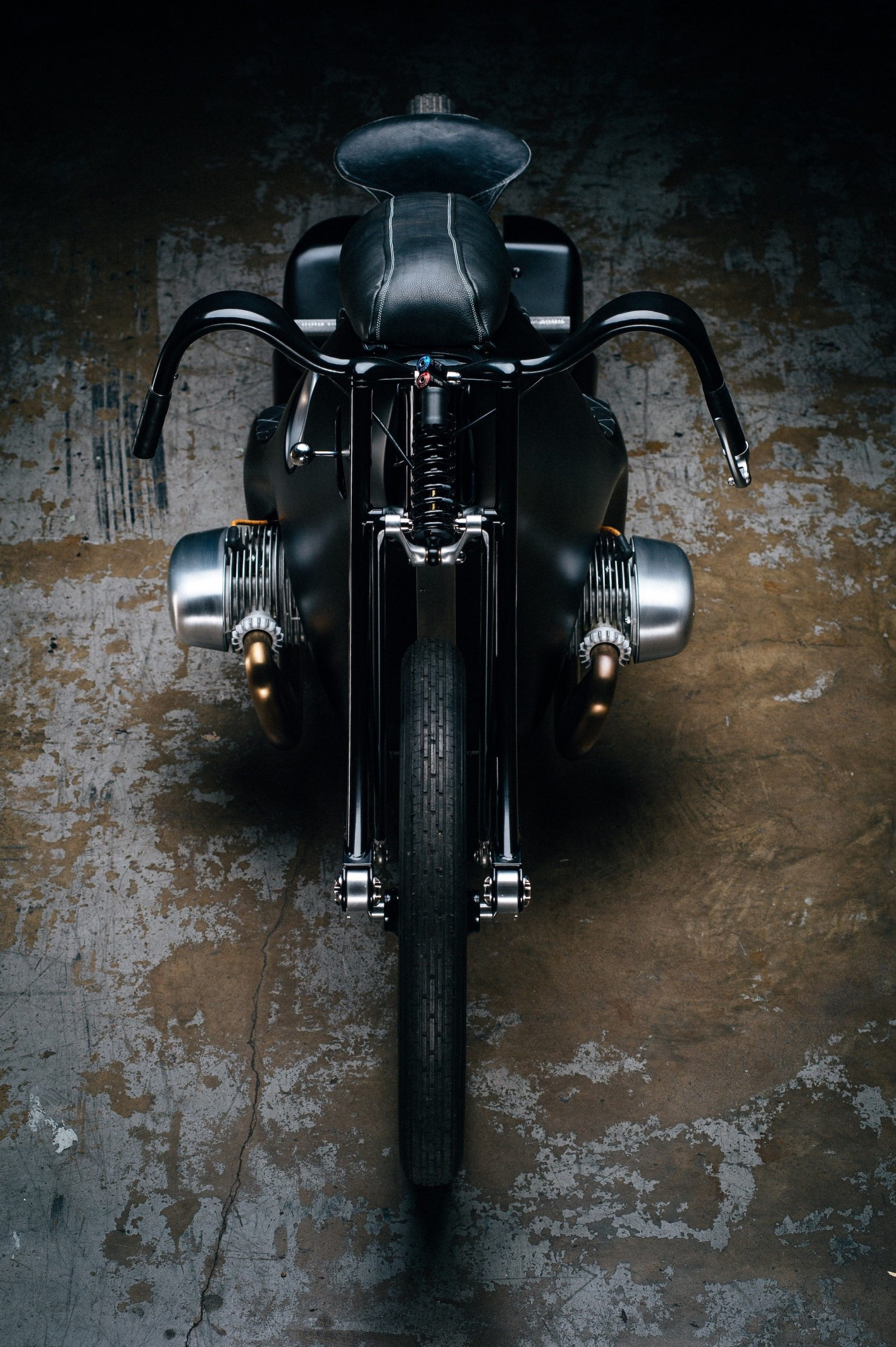Custom-BMW-Motorcycle-11