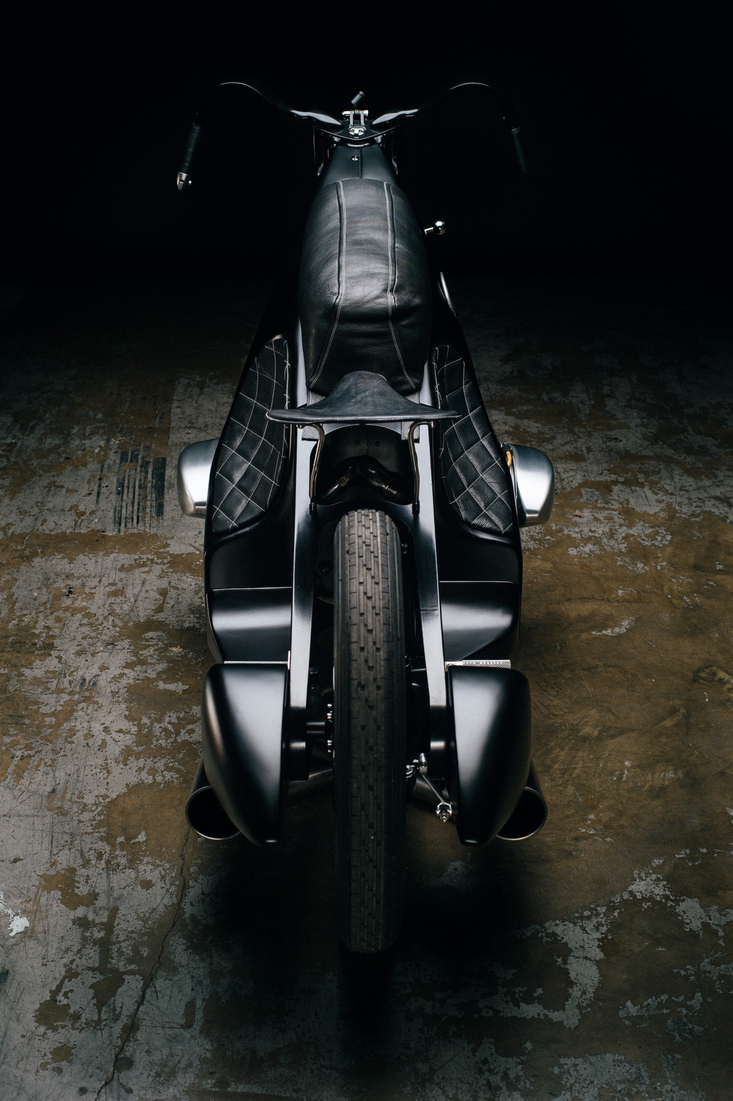 Custom-BMW-Motorcycle-23