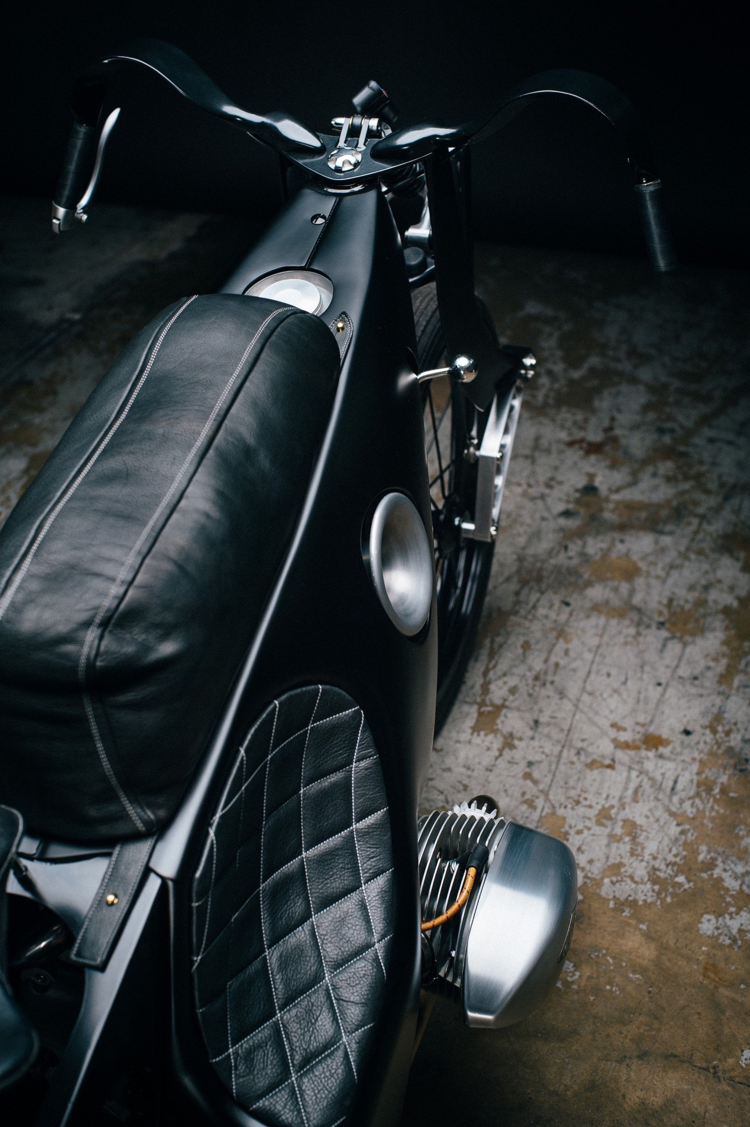 Custom-BMW-Motorcycle-25