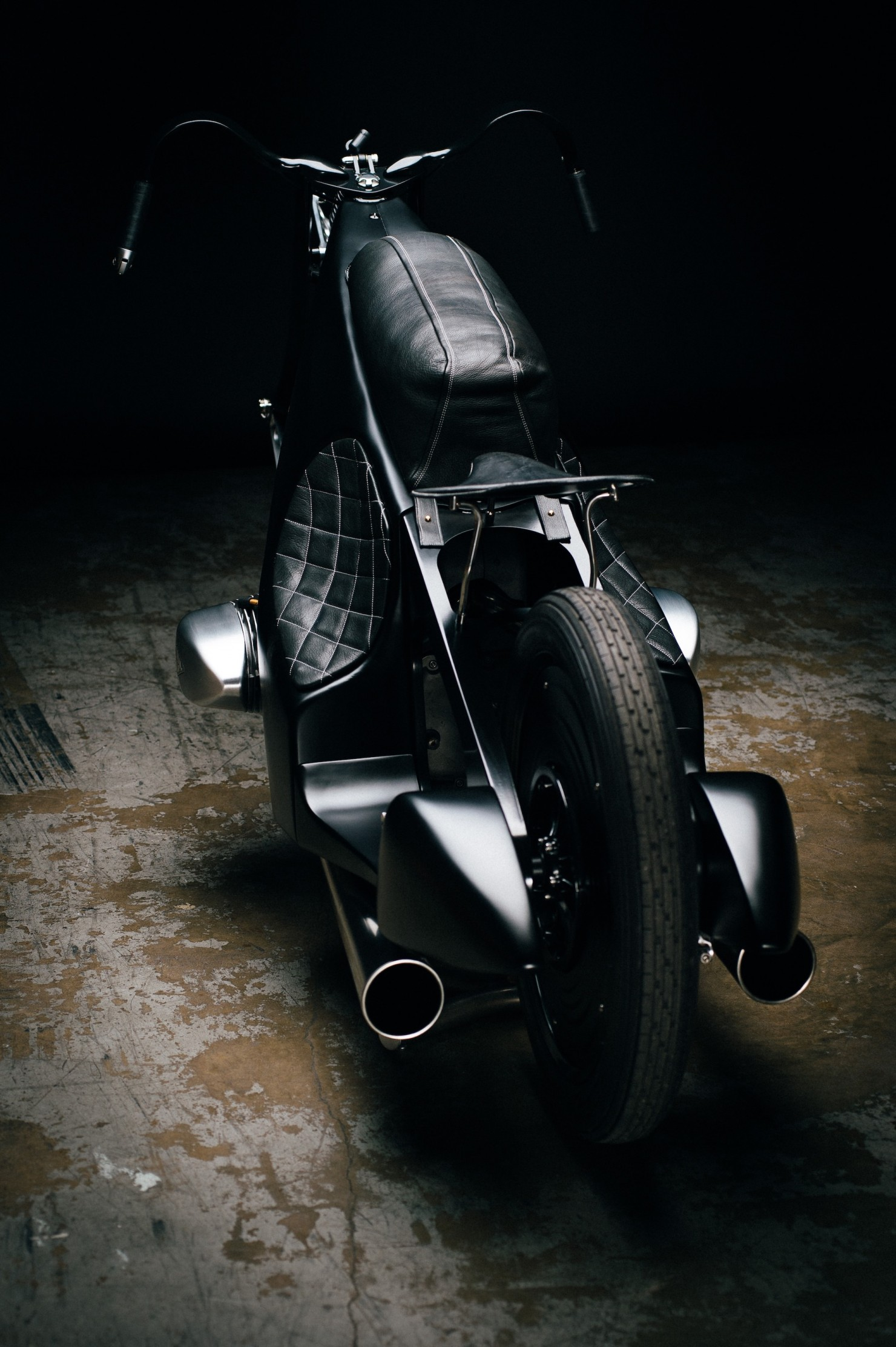 Custom-BMW-Motorcycle-27