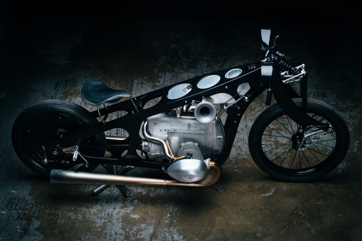 Custom-BMW-Motorcycle-28