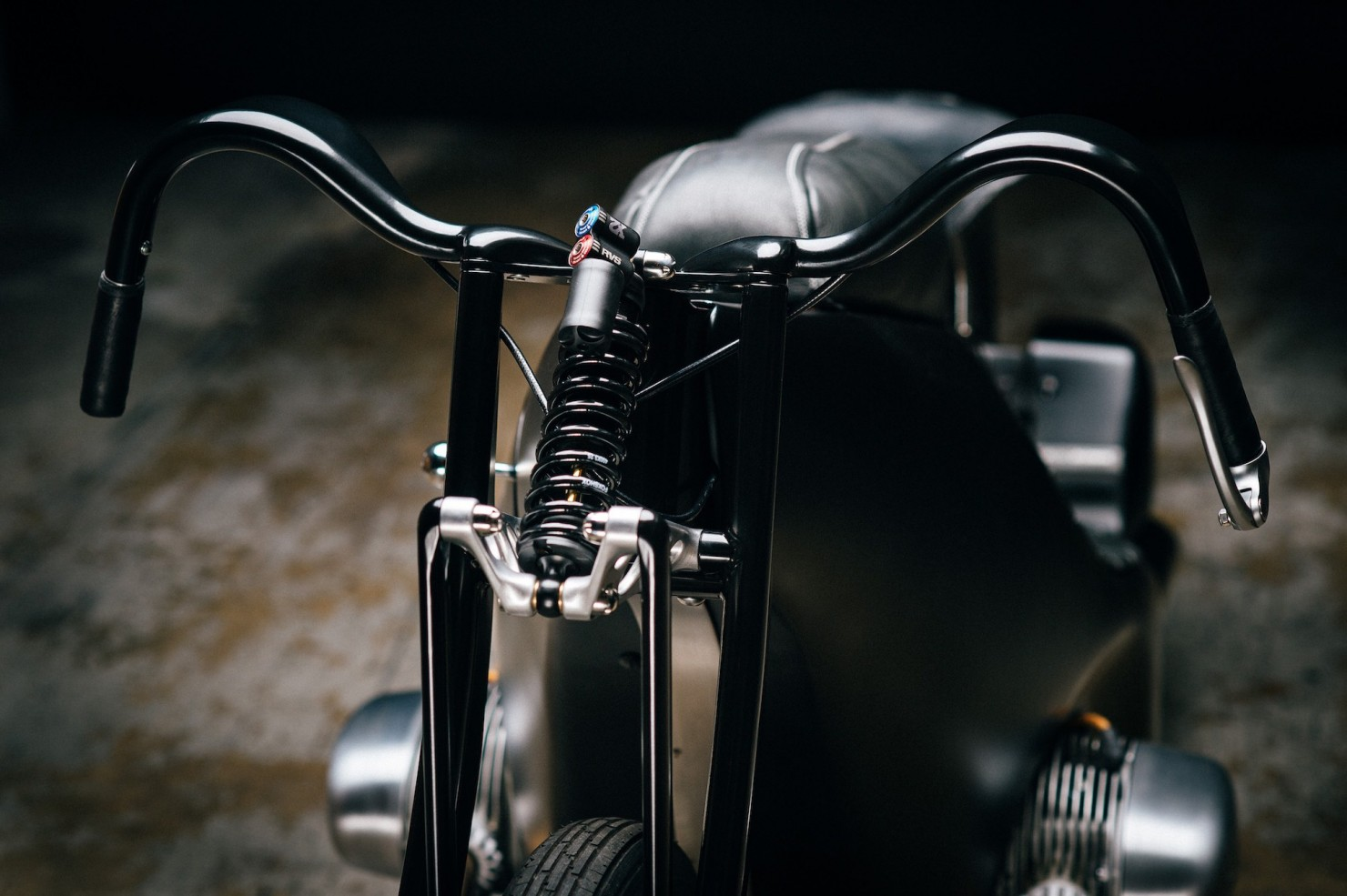 Custom-BMW-Motorcycle-9
