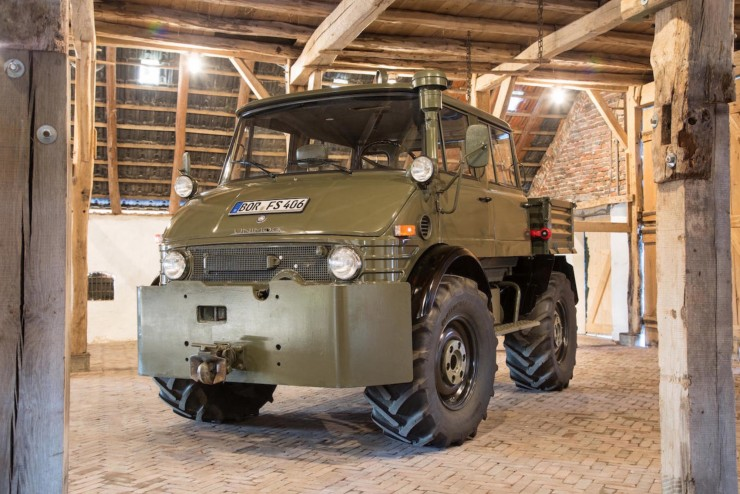 Luftwaffe Mercedes-Benz Unimog 1